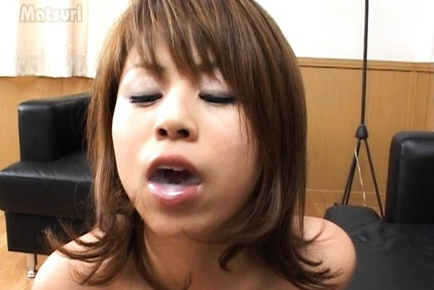 Rua Mochizuki wild cum in mouth action!