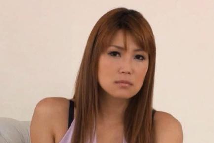 Yuhno Hoshi and Chiharu Fujitsuki Have A Hot Threesome