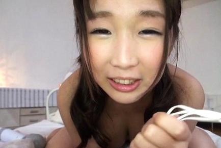 Kinoshita Ayana gets kinky on a vibrator